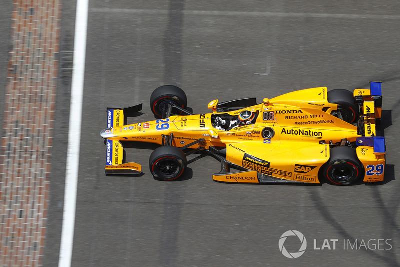 Фернандо Алонсо, Andretti Autosport Honda, під час швидкого кола
