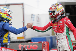 Ganador de la pole Charles Leclerc, PREMA Powerteam, segundo Oliver Rowland, DAMS