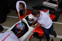 Paul di Resta, rijder F1 Experiences tweezitter