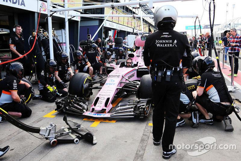Sahara Force India F1 Team practices a pit stop