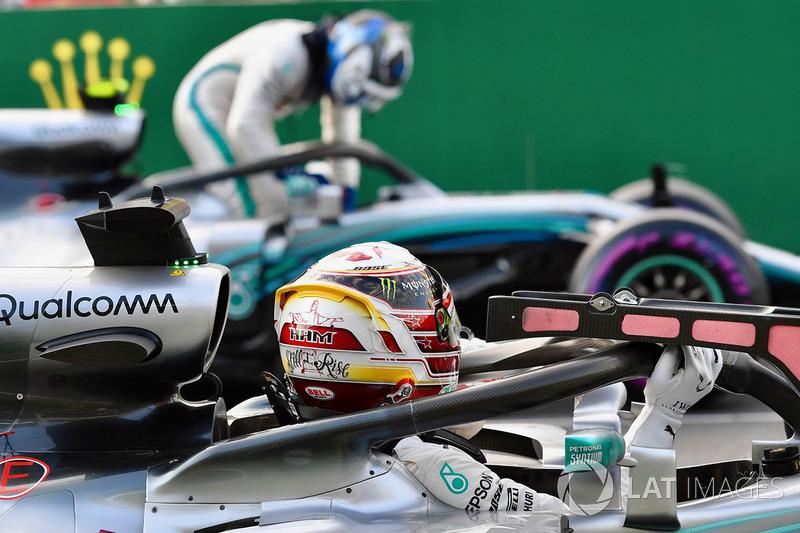 Lewis Hamilton, Mercedes-AMG F1 W09 EQ Power y Valtteri Bottas, Mercedes-AMG F1 W09 EQ Power en parc ferme