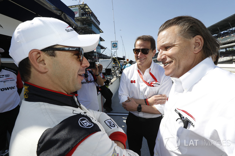 Oriol Servia, Scuderia Corsa with RLL Honda, with team owner Giacomo Mattioli and Stefan Johansson