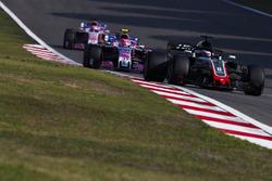 Romain Grosjean, Haas F1 Team VF-18 Ferrari, Esteban Ocon, Force India VJM11 Mercedes, Sergio Perez, Force India VJM11 Mercedes