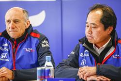 Руководитель Scuderia Toro Rosso Франц Тост и технический директор Honda Тойохару Танабе