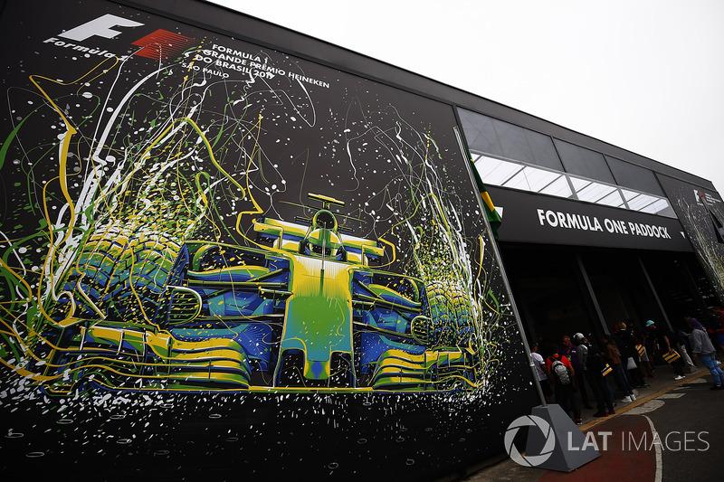 Gran Premio de Brasil: entrada al paddock