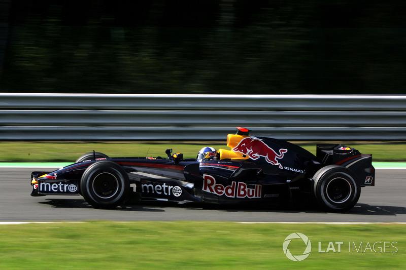 2007: Red Bull RB3 Renault (1 подиум, 5-е место в КК)