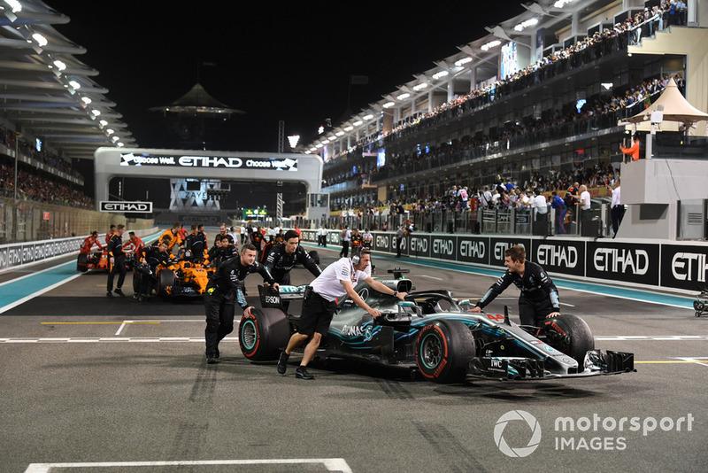 Механіки Mercedes-AMG F1, Льюіс Хемілтон, Mercedes AMG F1