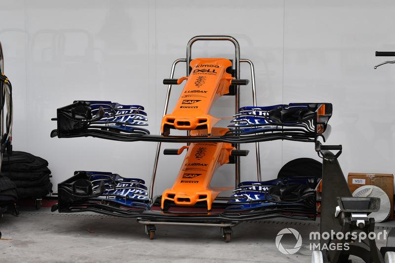 Sejak beberapa balapan belakangan ini, sirip yang dulu sempat terpasang di samping hidung depan McLaren MCL33 sudah tidak digunakan lagi.