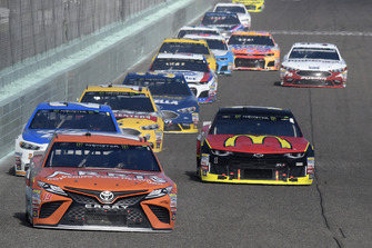 Daniel Suarez, Joe Gibbs Racing, Toyota Camry ARRIS, Jamie McMurray, Chip Ganassi Racing, Chevrolet Camaro McDonald's, Paul Menard, Wood Brothers Racing, Ford Fusion Quick Lane Tire & Auto Center