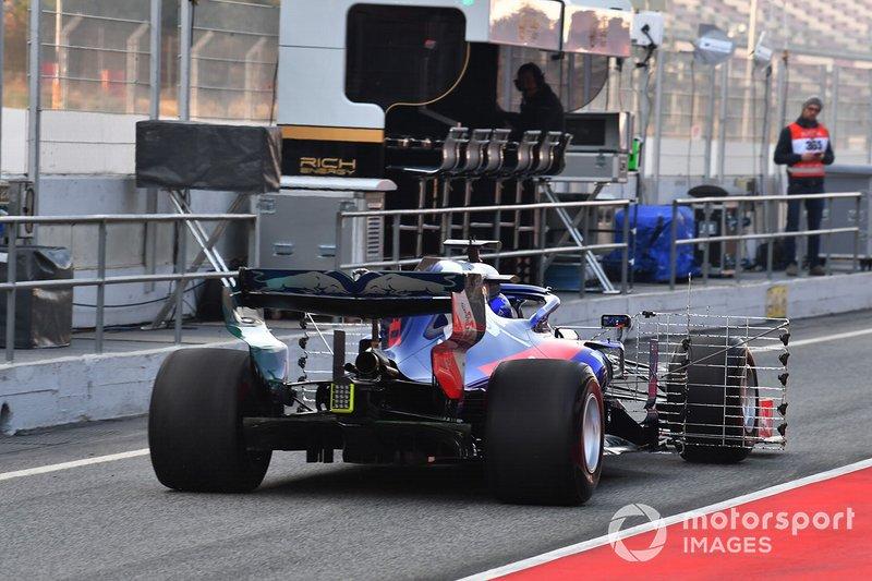 Alex Albon, Scuderia Toro Rosso STR14 avec des capteurs aérodynamiques
