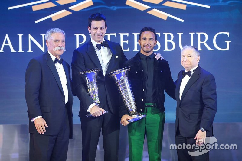 Chase Carey, Toto Wolff, Lewis Hamilton, Mercedes-AMG F1 y Jean Todt
