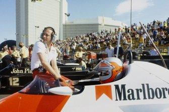 John Watson, McLaren MP4/1, mit Ron Dennis
