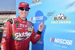 Kyle Busch, Joe Gibbs Racing, Toyota Camry Skittles, wins the pole for the Food City 500 race