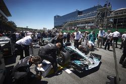 The Mercedes team prepare the car of Valtteri Bottas, Mercedes AMG F1 W08