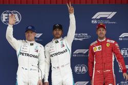 Обладатель поула Льюис Хэмилтон, второе место – Валттери Боттас, Mercedes AMG F1, третье место – Себастьян Феттель, Ferrari