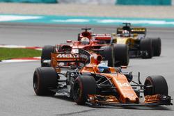 Fernando Alonso, McLaren MCL32, Sebastian Vettel, Ferrari SF70H, Nico Hulkenberg, Renault Sport F1 Team RS17