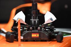 McLaren MCL32 steering wheel detail