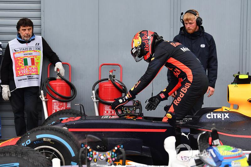 Max Verstappen, Red Bull Racing RB13 dans le parc fermé