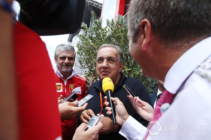 Sergio Marchionne, Director Ejecutivo, Chrysler Fiat y Presidente de Ferrari, es entrevistado junto a Maurizio Arrivabene, director del equipo Ferrari