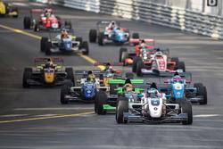 Will Palmer, R-ace GP al comando alla partenza della gara