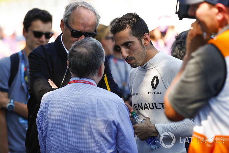 Presidente de la FIA Jean Todt habla con Sébastien Buemi, Renault e.Dams