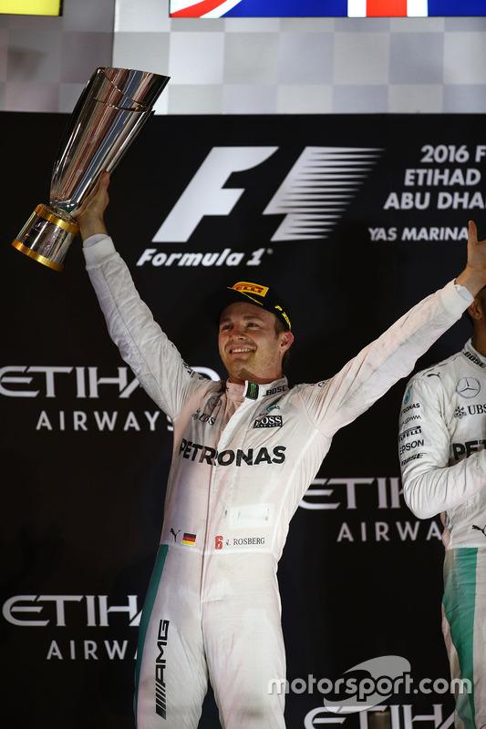 Podium: second place and new world champion Nico Rosberg, Mercedes AMG Petronas F1