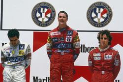 Podium: winner Nigel Mansell, Williams Honda, second place Nelson Piquet, Williams Honda, third place Alain Prost, McLaren TAG Porsche