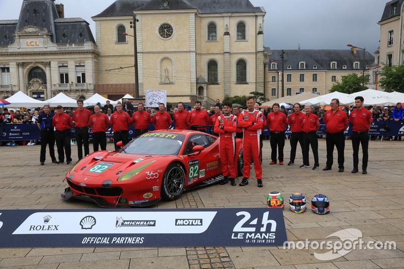 #82 Risi Competizione Ferrari 488 GTE: Джанкарло Фізікелла, Тоні Віландер