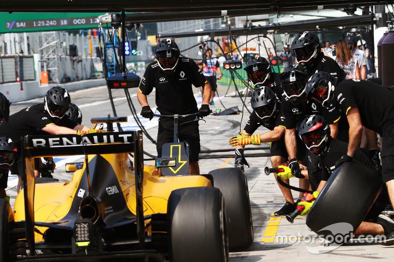 Jolyon Palmer, Renault Sport F1 Team RS16, pit stop antrenmanı