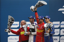 Podio: ganador Lucas di Grassi, ABT Schaeffler Audi Sport, segundo lugar Jean Eric Vergne, DS Virgin