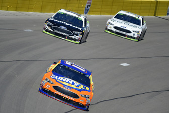 Ricky Stenhouse Jr., Roush Fenway Racing, Ford Fusion SunnyD, Aric Almirola, Stewart-Haas Racing, Ford Fusion Smithfield, Clint Bowyer, Stewart-Haas Racing, Ford Fusion One Cure
