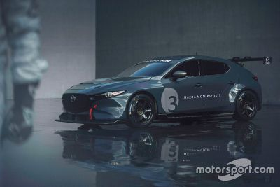 Представление Mazda3 TCR