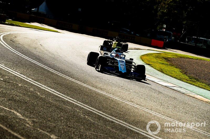 Robert Kubica, Williams FW42, Daniel Ricciardo, Renault F1 Team R.S. 19