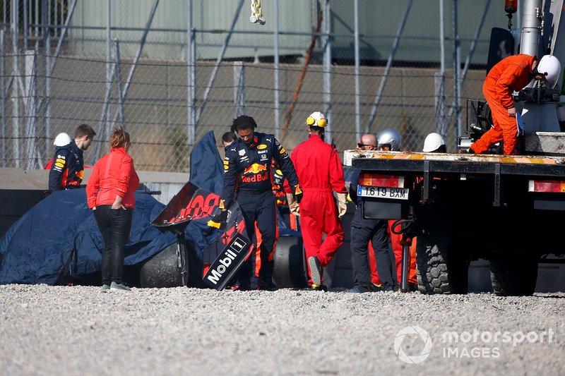 El coche accidentado de Pierre Gasly, Red Bull Racing RB15