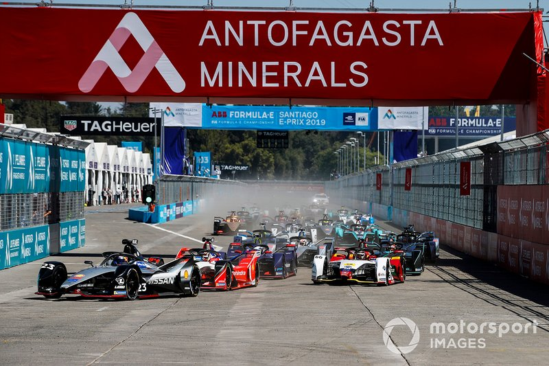 Sébastien Buemi, Nissan e.Dams, Nissan IMO1, precede Pascal Wehrlein, Mahindra Racing, M5 Electro e Daniel Abt, Audi Sport ABT Schaeffler, Audi e-tron FE05