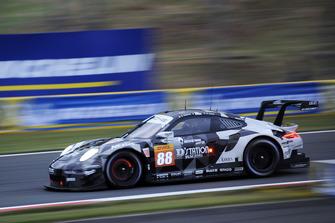 Маттео Кайроли, Джанлука Рода, Сатоши Хошино, Dempsey-Proton Racing, Porsche 911 RSR (№88)