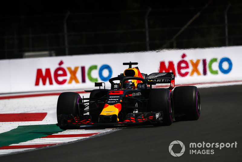 1: Daniel Ricciardo, Red Bull Racing RB14, 1'14.759