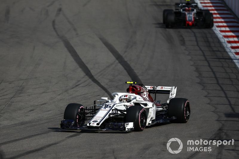 Leclerc viert overwinning in B-klasse