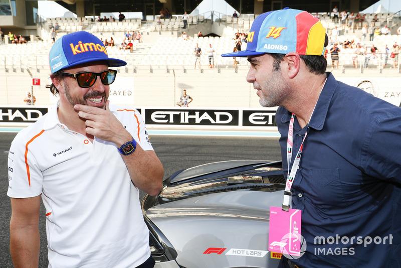 Fernando Alonso, McLaren y el piloto de NASCAR Jimmie Johnson