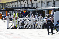 Lance Stroll, Williams FW41, makes a stop