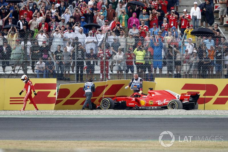 Sebastian Vettel; Ferrari SF71H choca cuando iba líder