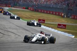 Marcus Ericsson, Sauber C37, Sergey Sirotkin, Williams FW41
