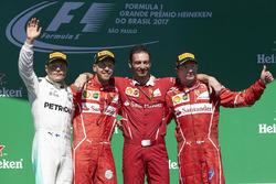 Победитель Себастьян Феттель, Ferrari, второе место – Валттери Боттас, Mercedes AMG F1, третье место – Кими Райкконен, Ferrari, Джузеппе Вьетина