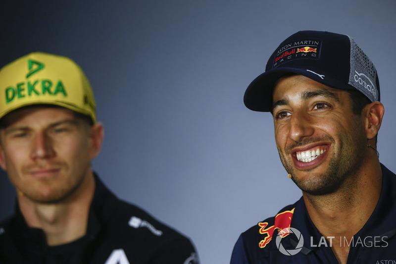 Nico Hulkenberg, Renault Sport F1 Team, ET Daniel Ricciardo, Red Bull Racing, en conférence de presse
