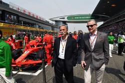 Chase Carey, CEO, Formula One ve Sean Bratches, Formula One Ticari Direktörü