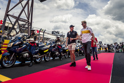Max Verstappen, Red Bull Racing, Nico Hulkenberg, Renault Sport F1 Team on the drivers parade