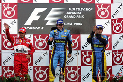 Podium : Felipe Massa, Ferrari, Fernando Alonso, Renault et Giancarlo Fisichella, Renault