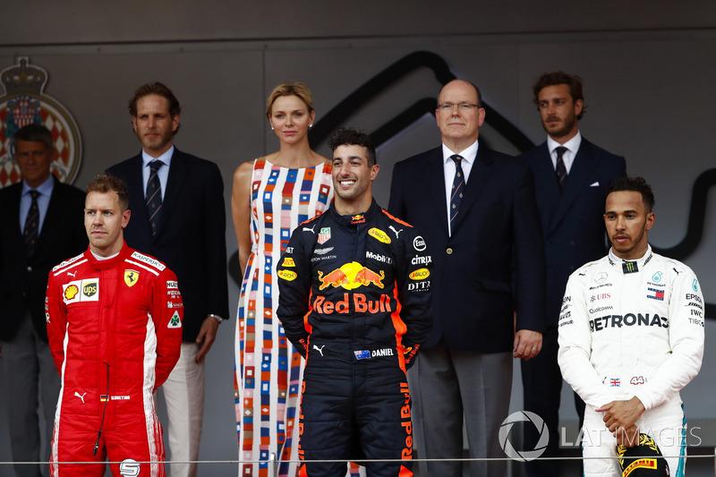 6. GP Monako - Podium: Daniel Ricciardo, Sebastian Vettel, Lewis Hamilton