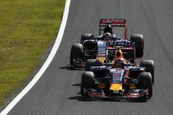 Daniil Kvyat, Red Bull Racing RB11, Max Verstappen, Scuderia Toro Rosso STR10