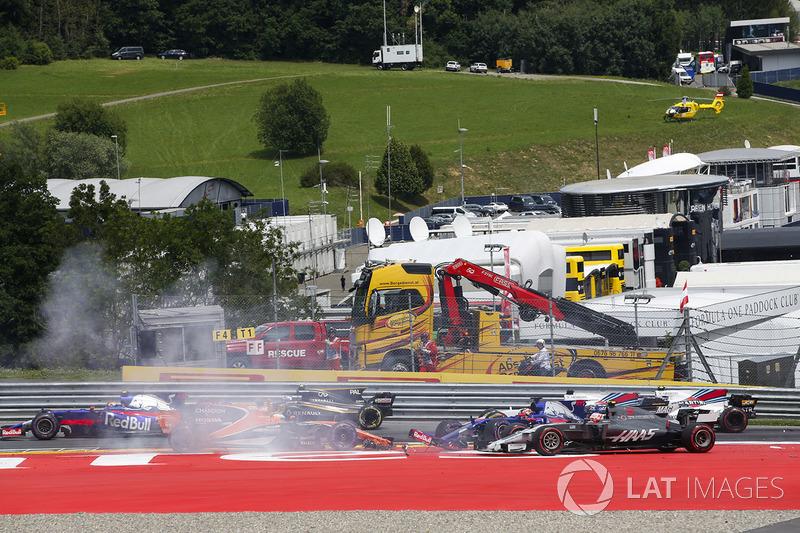 Данііл Квят, Scuderia Scuderia Toro Rosso STR12, Фернандо Алонсо, McLaren MCL32, Макс Ферстаппен, Red Bull Racing RB13